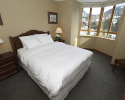 Whistler Blackcomb-Lodging expedition-Cascade Lodge