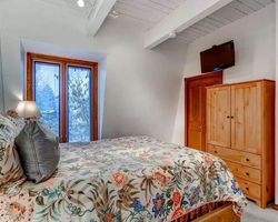 Aspen Colorado-Lodging tour-Chateau Chaumont Condominiums
