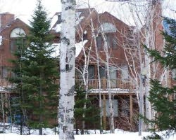 Ski Vacation Package - Commons Condominiums