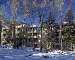 Aspen Colorado-Lodging excursion-Chateau Roaring Fork Condominiums