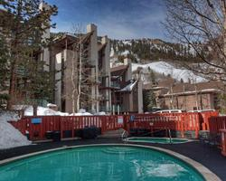 Aspen Colorado-Lodging expedition-Fifth Avenue Condominiums-Standard 2 Bedroom Condominium Max Occup 4