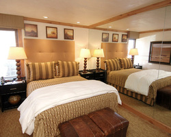 Aspen Colorado-Lodging holiday-Fifth Avenue Condominiums-Deluxe 2 Bedroom Condominium Max Occup 6