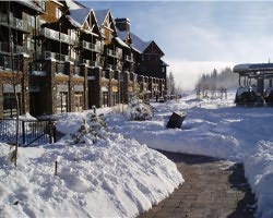 Ski Vacation Package - Glacier Mountaineer Lodge