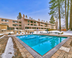 South Lake Tahoe CA-Lodging holiday-Lakeland Village Resort