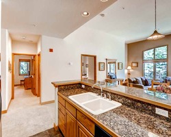 Breckenridge CO-Lodging excursion-Riverbend Lodge-2 Bedroom Condominium Max Occup 6