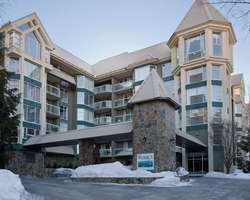 Whistler Blackcomb-Lodging trek-Woodrun Lodge