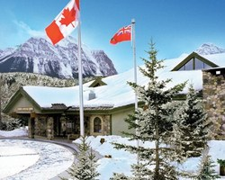 Banff Lake Louise Sunshine-Special Hot Deal travel-Get 10 off any stay OR your 4th Night FREE at Lake Louise Inn Book by August 31st