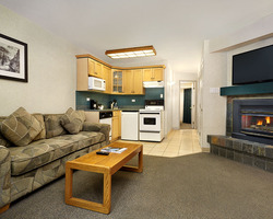 Ski Vacation Package - Get your 4th Night Free at Lake Louise Inn!