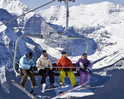 Banff Lake Louise Sunshine-Special Hot Deal tour-Get 10 off any stay OR your 4th Night FREE at Lake Louise Inn Book by August 31st