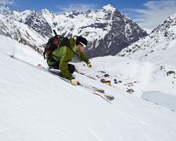 Ski Arpa Chile-Special Hot Deal trek-Ultimate South America Skiing Riding Tour - Heli Ski Cat Ski plus Chile s top resorts -4 nights accommodation 5 ski days all transfers
