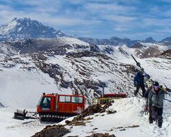 Ski Arpa Chile-Special Hot Deal excursion-Ultimate South America Skiing Riding Tour - Heli Ski Cat Ski plus Chile s top resorts -4 nights accommodation 5 ski days all transfers