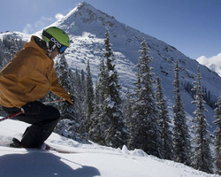 Ski Vacation Package - Get up to $300 per person in airfare credits to Crested Butte!