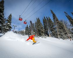 Jackson Hole-Special Hot Deal trek-Start your Christmas Vacation early and get TWO FREE ski days at Jackson Hole -Get 2 FREE SKI days for an early Christmas arrival at Jackson Hole