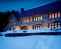 Ski Vacation Package - The Pointe at Castle Hill Resort and Spa