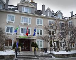 Ski Vacation Package - Holiday Inn Express & Suites Tremblant