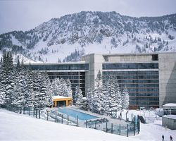 Ski Vacation Package - Cliff Lodge