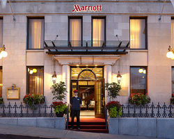 Ski Vacation Package - Courtyard by Marriott - Quebec