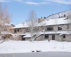 Ski Vacation Package - Fawngrove Condominiums