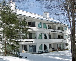 Ski Vacation Package - Glades Condominiums