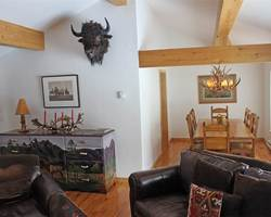 Jackson Hole-Lodging weekend-Lake Creek Cabin - Rendezvous Mountain Rentals