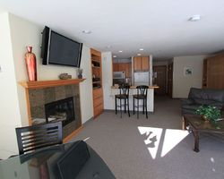 Keystone CO-Lodging expedition-Lakeside Village Condominiums-2 bedroom 1 bath Premier