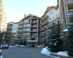 Ski Vacation Package - Lone Eagle Condominiums