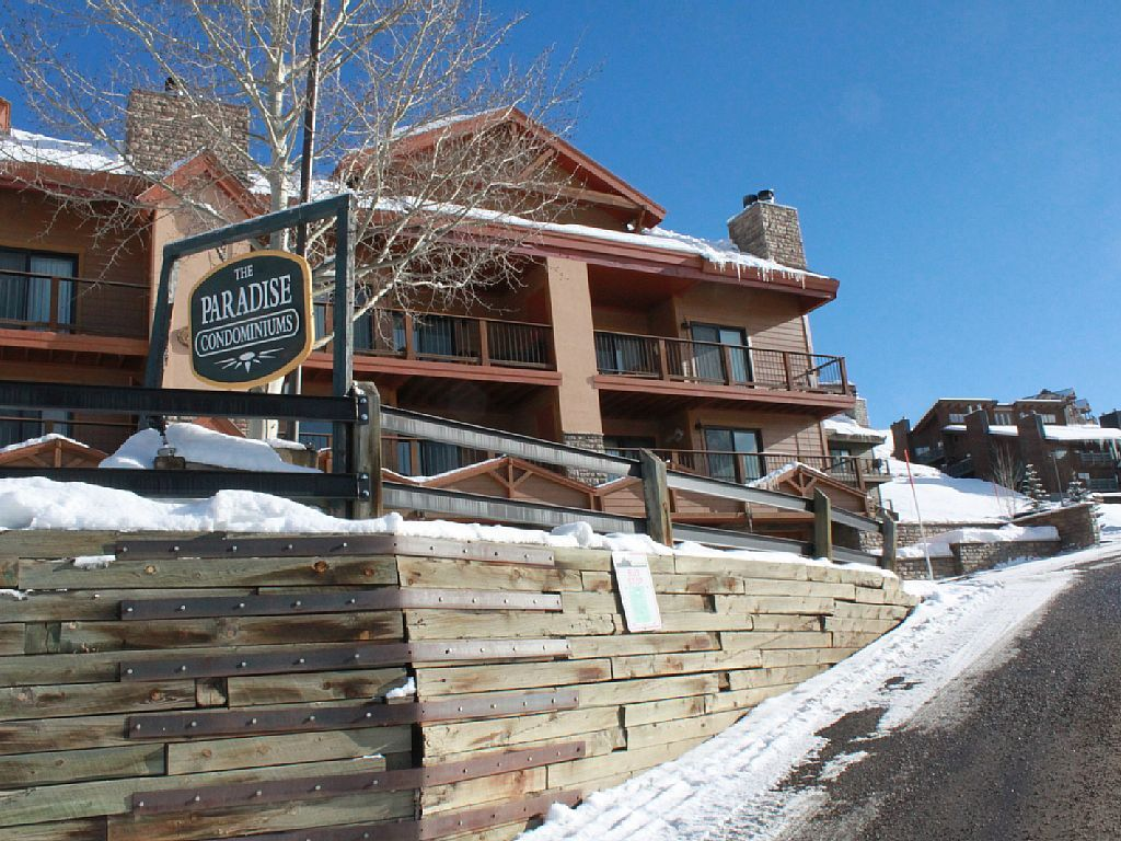 Crested Butte Colorado-Lodging weekend-Paradise Condominiums - CBMR