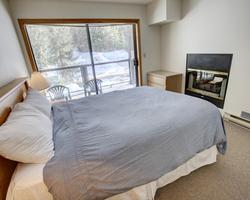 Whistler Blackcomb-Lodging holiday-Powderhorn - ResortQuest