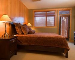 Red Mountain BC-Lodging trek-Red Mountain Resort Lodging-1 Bedroom Premium w Hot Tub - Slalom Creek or Morning Star Max Occup 2
