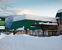 Revelstoke BC-Lodging excursion-Sandman Hotel Revelstoke