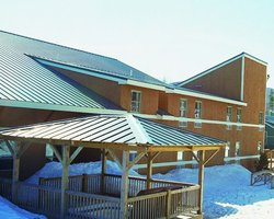 Ski Vacation Package - Snow Cap Inn (Hotel)