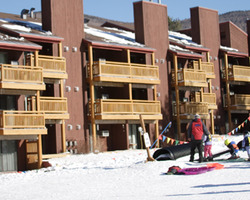 Ski Vacation Package - Village Condos At Smugglers