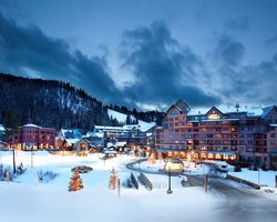 Ski Vacation Package - Zephyr Mountain Lodge